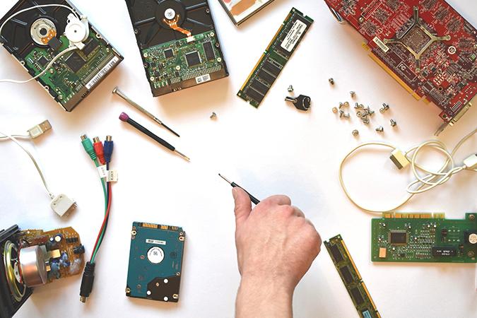 Multiservis za popravak potrošačke elektronike. Servisiramo TV prijemnike, prijenosna i stolna rčunala, printere, monitore, mobitele, tablete, perilice, sušilice, štednjake.